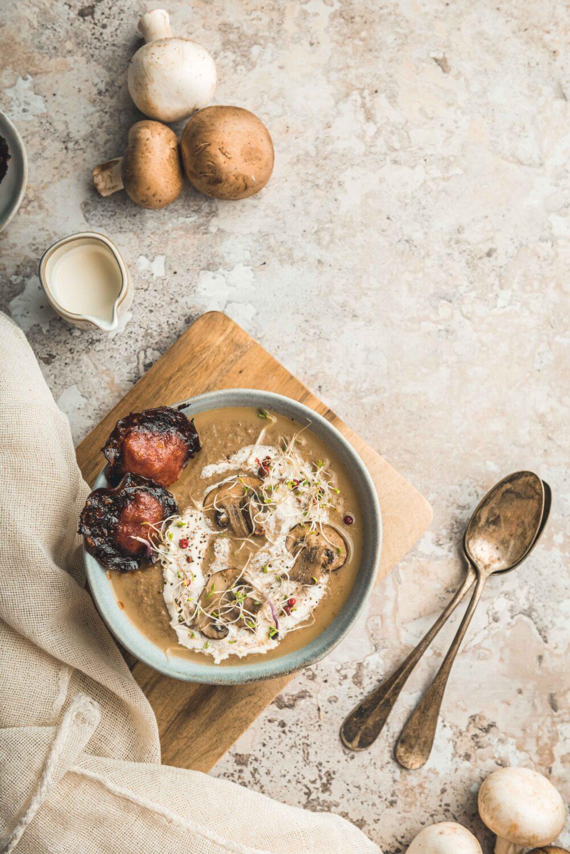 Un velouté aux champignons au chorizo pour une entrée savoureuse, automnale et originale.