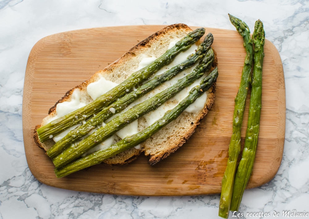 Bruschetta asperges et mozzarella
