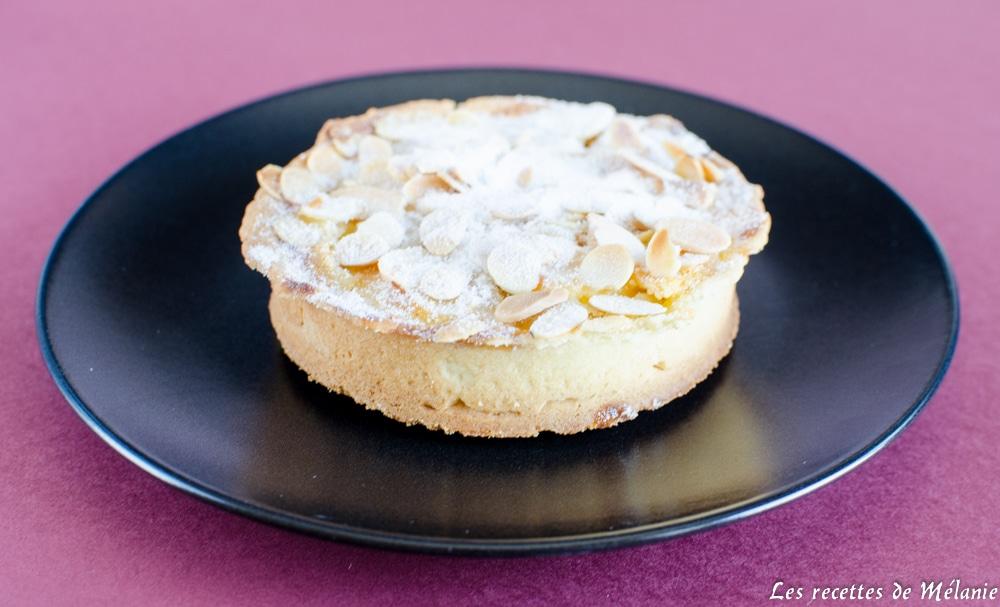Gros gâteau pommes amandes