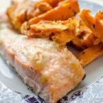 Saumon à la confiture de poire et frites de patates douce
