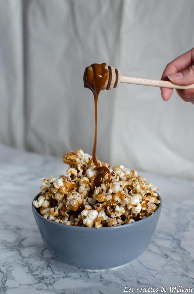 Pop-corn au caramel au beurre salé et noix de coco
