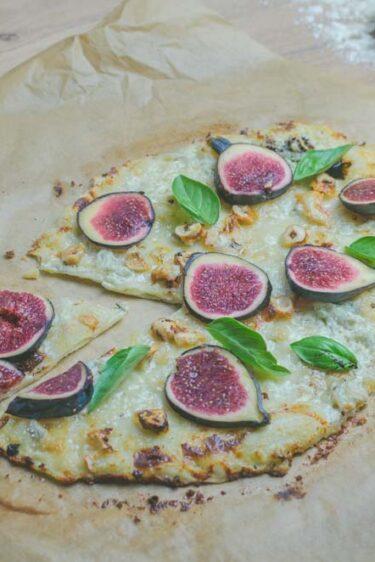 Pizza aux figues et au gorgonzola