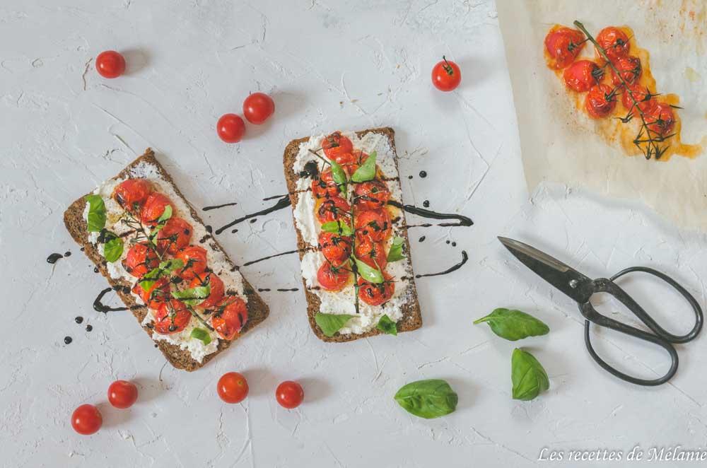 Bruschetta aux tomates cerises rôties