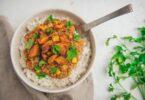Dahl de lentilles corail à la patate douce et maïs