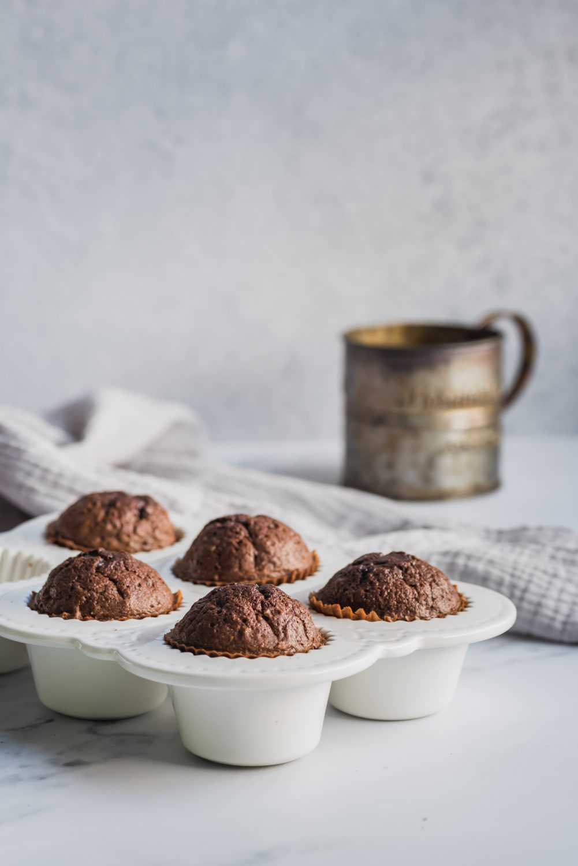 Cupcakes chocolat moelleux avec glaçage à la menthe poivrée - Les recettes de Mélanie