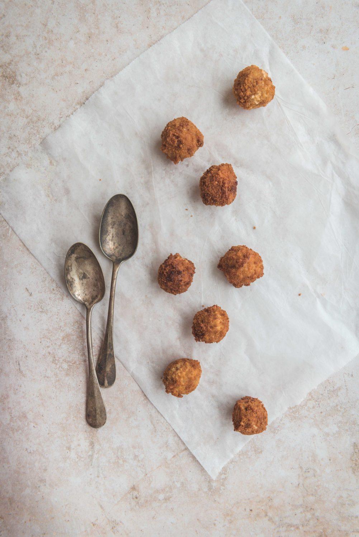 Une bouchée apéritive qui plait à coup sûr: les arancinis. Cette fois-ci, je te donne une recette au gorgonzola.