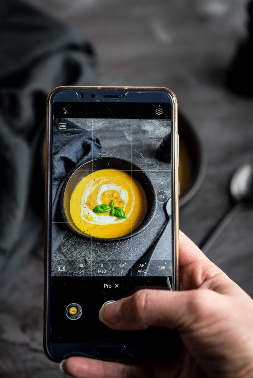 Comment faire de belles photos culinaires avec un smartphone?