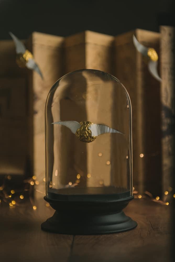 J'adore l'univers d'Harry Potter et j'avais envie de lui rendre hommage pour Halloween. Il est très facile de faire un vif d'or avec un ferrero rocher tout simplement