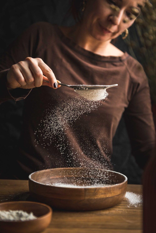 La préparation de la pâte à crêpes - photographie culinaire